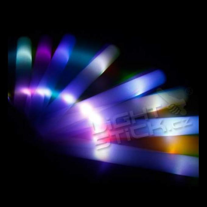 Penové LED mávatka farebné